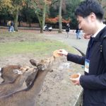 学会場前では鹿さんがお出迎え。